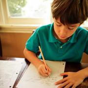 membuat-anak-gemar-menulis