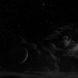 malam-pekat-sunyi-sekali